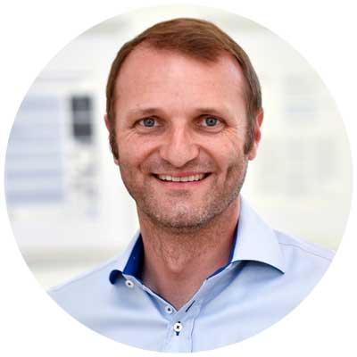 Dr Jochen Peter